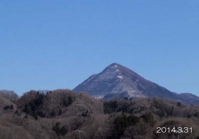 くまちゃん♪は、ピラミッド型の武甲山しか知りません。。。